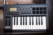 Продам midi-клавиатуру M-Audio Axiom 25 mk2